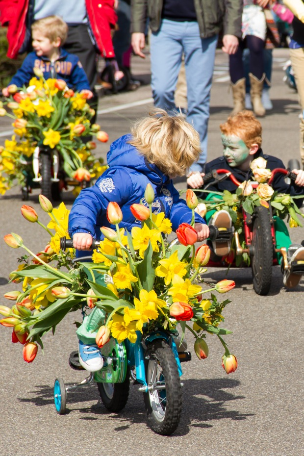 There were lots of local kids riding their bikes at the beginning with pretty cool floral bouquets even on those.
