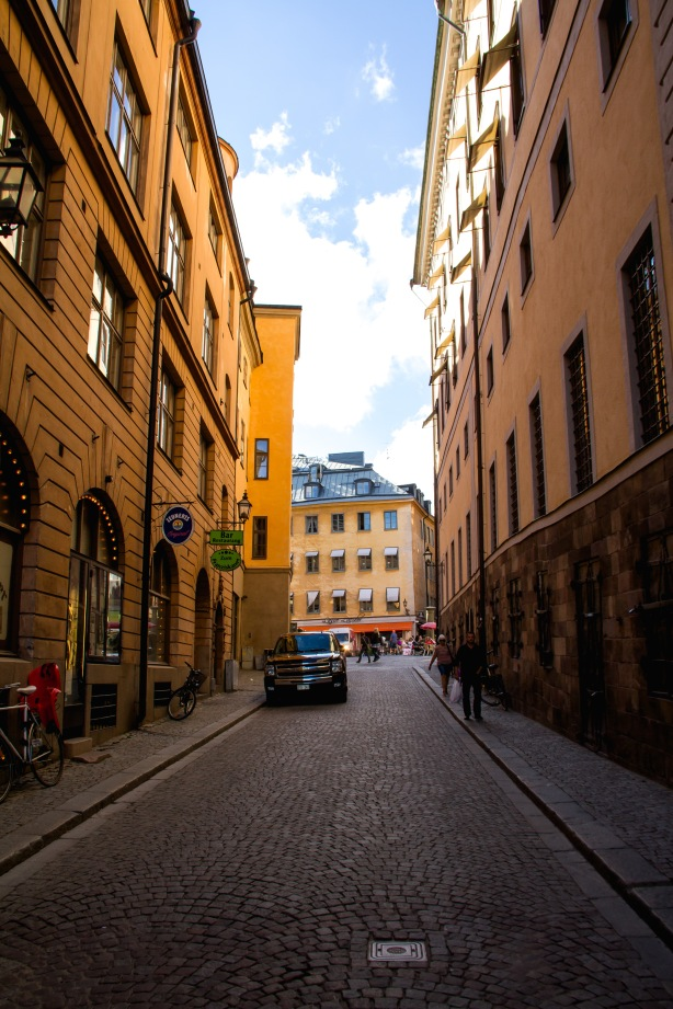 Love the narrow, paved streets.