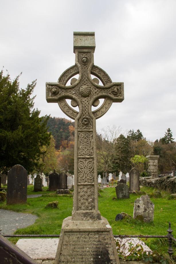 A Celtic cross.