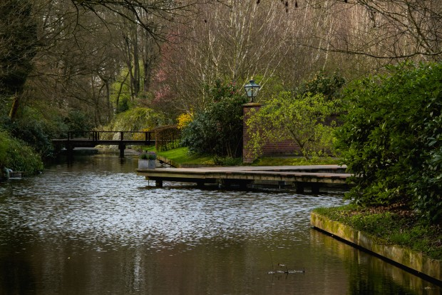 A pretty canal.