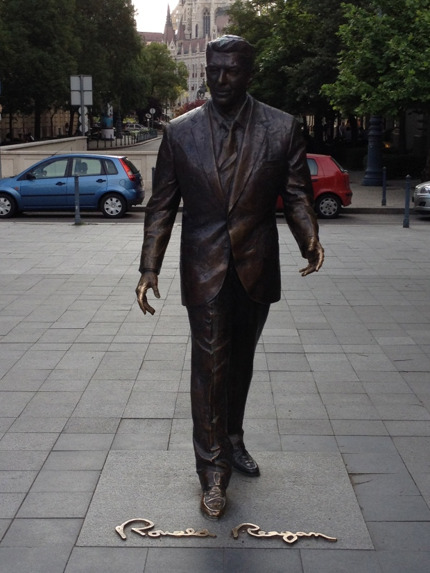 A statue of good, old Ronald Reagan.  Super.